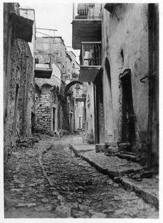 Chios. Kalamote. 1936; Dorothy Burr Thompson. Old Photos, Vintage Photos, Black White Photos, Black And White, Chios Greece, Dance Background, Greece Photography, Go Greek, Greek History