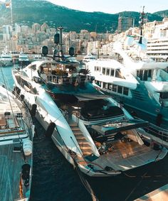 Yacht renting will make it significantly increasingly exceptional. In this article, we are going to give you a couple of tips that can enable you to rent a decent yacht. Big Yachts, Super Yachts, Yacht Luxury, Luxury Boats, Jet Ski, Bike Ride Quotes, Assurance Auto, Yacht Interior, Billionaire Lifestyle