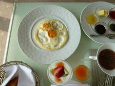 """Prima colazione, Camera di """"Hotel La Suite Kobe"""", Harborland Kobe Japan"""