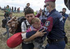 PATRINAKI: ΟΥΓΓΑΡΙΑ 9/9/2015. Σκηνές που σοκάρουν σε «στρατόπ...