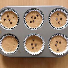 何コレ?!旨っ❤️混ぜて焼くだけ❤️ふわっふわ〜チョコチップコーヒーマフィン | riyusa日和。ザッパレシピで褒められおやつと時々おかず Muffin, Breakfast, Desserts, Food, Morning Coffee, Tailgate Desserts, Dessert, Muffins, Postres