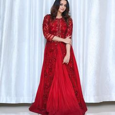 jlred Indian Gowns, Indian Attire, Pakistani Dresses, Indian Wear, Long Gown Dress, Frock Dress, Churidar Designs, Kurta Designs Women, Bridal Party Dresses
