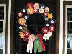 another horse show ribbon wreath. wouldn't this look cute on the tack room door? and perhaps one for the office door too Show Ribbon Display, Display Case, Horse Show Ribbons, Ribbon Quilt, How To Make Purses, Horse Crafts, Derby Party, Vintage Horse, Funky Junk