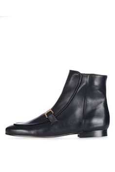 Get trending shoes at Topshop. From wear-with-everything mid-heels and sandals, to leather boots you'll want to live in, shop online for free click & collect. Black Leather Shoes, Real Leather, Winter Wardrobe, Asos, Apple Pie, Topshop, Loafers, Shoe Bag, My Style