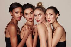 Bobbi Brown new Crushed Lip Color - Ruby Group Photography Poses, Group Photo Poses, Beauty Photography, Portrait Photography, Photo Portrait, Beauty Shoot, Friend Photos, Lip Colors, Photoshoot