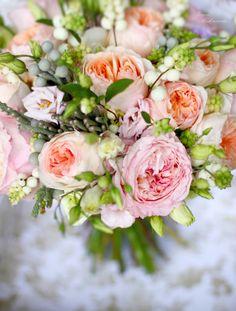 bridal bouquet in pink and cream colors wedding bouquet Нежный букет невесты с розами Остина  http://lflowersstudio.com/