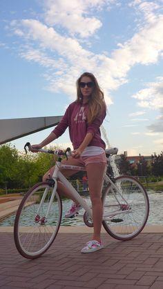 single speed roadbike, pink edition.