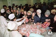 There was no such a thing that meat was packaged not even thinking about freezing it. You waited in line to get (about of meat . And that was once a week other days the stores were empty no meat to buy! Poland Country, My Childhood Memories, Warsaw, Humor, Retro, Mj, Empty, Photos, Tin Cans