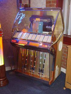 Seeburg HF100R Jukebox Restoration Music Machine, Arcade Machine, Vintage Records, Vintage Music, Jukebox, Antique Record Player, Rock And Roll, Bar, Old Vegas