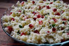 salata arabesca cu cous-cous, rodie si patrunjel Healthy Salad Recipes, Snack Recipes, Falafel, Couscous, Pasta Salad, Quinoa, Potato Salad, Vitamins, Rice
