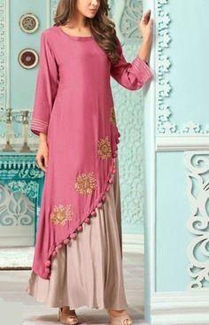 Beautiful Muslin / Silky fabric double layered kurti with golden embroidery. Kurta Designs Women, Kurti Neck Designs, Blouse Designs, Indian Gowns Dresses, Pakistani Dresses, Muslim Fashion, Indian Fashion, Fancy Kurti, Party Wear Dresses
