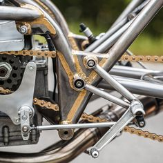 Giant Killer: The Harris-framed Suzuki sprint bike that beat the factory entries at the Glemseck 101 sprints Suzuki Sv 650, Suzuki Gsx, Custom Motorcycles, Custom Bikes, Bmw Motorcycles, Cafe Racer Parts, Motocross Racer, Pt Cruiser, Yamaha Yzf