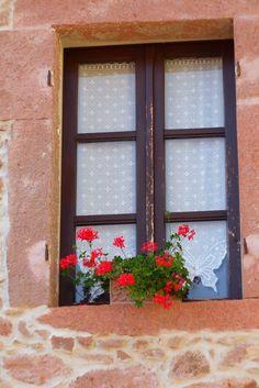 Banari tutti i comuni della sardegna pinterest - Tende all uncinetto per finestre ...