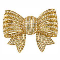 VAN CLEEF & ARPELS Diamond Bow Brooch