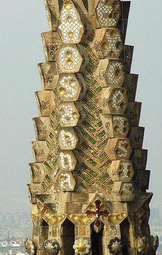 La Sagrada Familia - tower detail