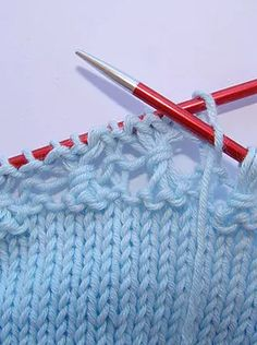 puntomoderno.com jersey de bebé con flores Baby Knitting Patterns, Afghan Crochet Patterns, Diy Crafts How To Make, Diy Crafts Crochet, Knitted Blankets, Knitted Hats, Baby Pullover, Baby Cardigan, Knitted Flowers