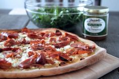 Fig, Prosciutto, and Goat Cheese Pizza