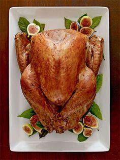 New Take on Thanksgiving: Grilled Turkey #thanksgiving #turkey #holidays
