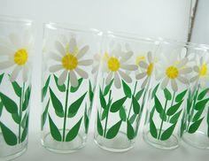 Vintage Daisy Drinking Glasses
