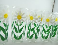 Vintage Daisy Drinking Glasses