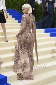 Los looks más impactantes y originales de la gala MET 2017 - Kylie Jenner