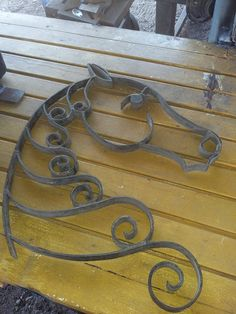 Welding Crafts, Welding Art Projects, Metal Art Projects, Metal Crafts, Metal Yard Art, Scrap Metal Art, Wrought Iron Decor, Metal Art Sculpture, Metal Working Tools
