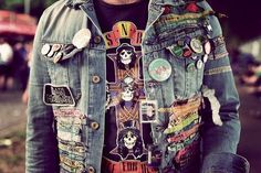 I looove this Retro Outfits, Cool Outfits, 1980s Fashion Grunge, Soft Grunge, Grunge Style, Look Fashion, 90s Fashion, Badges, Heavy Metal
