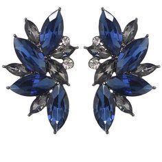 Blue Rhinestone Flower Shape Stud Earrings ❤ liked on Polyvore featuring jewelry, earrings, accessories, brincos, flower jewellery, earring jewelry, blue rhinestone jewelry, flower stud earrings and flower earrings