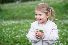 kungahuset.se:  The Swedish Royal Family released new photos of Princess Estelle in honor of spring, May 7, 2015