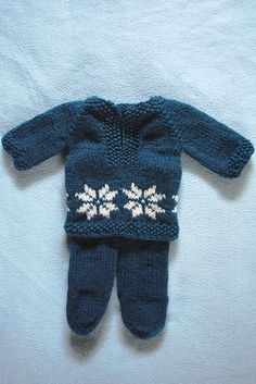 Ravelry: Baby outfit pattern by Veronique Braspenning