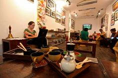 Kunzum : A travel Cafe in Delhi, India