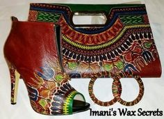 Ensemble bottines- pochette- boucles d'oreilles rouge en  pagne africain  Dimension talon : 12 cm dimension pochette :  longueur : 34 cm  largeur : 23 cm profondeur : 4 cm   - 7918779