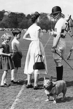 Queen Elizabeth and Prince Phillip talked at his polo match with Princess Anne and Prince Charles at Windsor Great Park, May 1956 Prince Charles, Prince Philip Queen Elizabeth, Princess Elizabeth, Princess Kate, Queen And Prince Phillip, Prinz Philip, Photos Of Prince, Le Polo, Paris Match