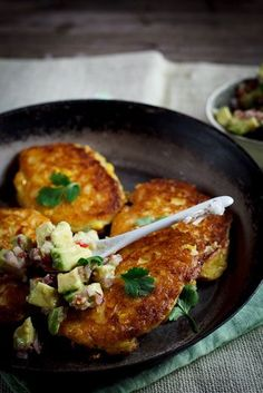 cheesy corn cakes w/ spicy avocado