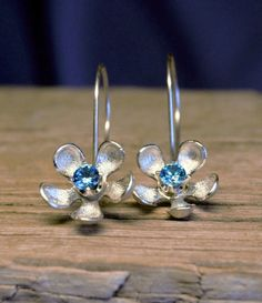 Daisy sterling silver earrings with CZ stone by ONEIROXORA on Etsy