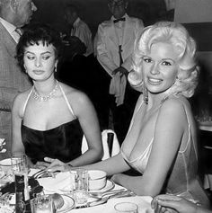 """Sophia Loren and Jayne Mansfield Photo, 1957 A photo taken 60 years ago of Hollywood's two most alluring sex symbols is still getting a lot of attention. """"She came right for my table,"""" Sophia Loren. Old Hollywood, Hollywood Glamour, Classic Hollywood, Hollywood Party, Hollywood Cinema, Hollywood Fashion, Hollywood Stars, Jayne Mansfield, Sophia Loren"""