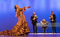 spanish-flamenco-dancer-la-lupi-performs-with-her-company-at-the-picture-id518376816 (1024×635)