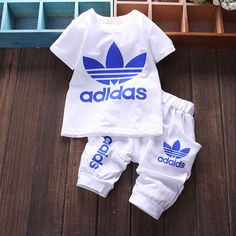 Brand Baby Clothing Designer Newborn Clothes 2015 Summer Baby Girls and Boys Suits Short Sleeved T-shirt + Shorts Clothing Sets - Kinder Ideen Baby Boy Swag, Cute Baby Boy Outfits, Cute Baby Clothes, Kids Outfits, Baby Girls, Designer Baby Boy Clothes, Baby Jordan Outfits, Baby Boy Dress Clothes, Camo Baby