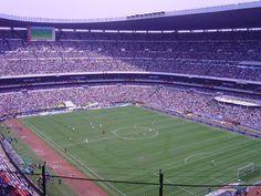 Y los amantes del futbol tendrán pésimas experiencias en lugares espantosos.
