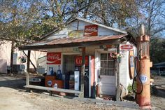 LOVE this old gas station!~~