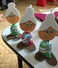 Grandparents day crafts for kids Toddler Crafts, Preschool Crafts, Diy And Crafts, Crafts For Kids, Arts And Crafts, Grandparents Day Activities, Happy Grandparents Day, Puppet Crafts, Fathers Day Crafts