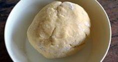 Pâte brisée. Pâte à foncer, à barquettes pour tartes, tartelettes, fonds de quiches, croustades, pâté en croûte, etc.. La recette par Chef Simon.