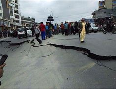 Earthquake Today in North India 7.9 richter scale Delhi NCR region, Bihar UP West Bengal Jaipur Lucknow Ahmedabad Kathmandu Nepal Live Latest news update