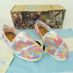 Pink And White Hole Pattern Toms Canvas Shoes