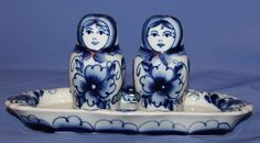 Vintage Russian Porcelain Matryoshka Set Salt Pepper Shackers With Tray