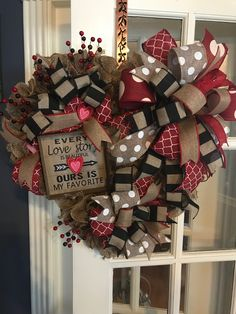 Best DIY Rustic Decoration Idea For Valentine Party 18 Diy Valentines Day Wreath, Valentines Day Decorations, Valentine Day Crafts, Holiday Crafts, Valentine Party, Valentine Ideas, Printable Valentine, Homemade Valentines, Spring Crafts