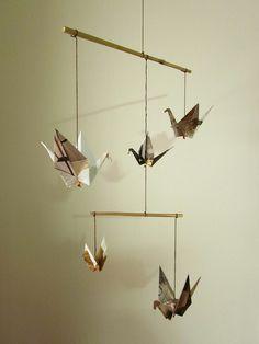 origami mobile, aus zeitungspapier vielleicht