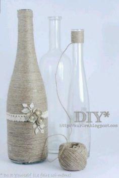 Sehe dir das Foto von Handwerklein mit dem Titel Alte Flaschen verschönern mit Paketschnur und Kleber und andere inspirierende Bilder auf Spaaz.de an.