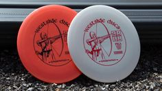 In the same way that the longbow changed warfare, this disc will elevate your game to new heights. With great speed and glide, this small rimmed disc will feel great and release easily for all types of throwers. Get ready to go farther with less effort than you have come to expect in the fairway driver game. The Longbowman is here to help you fly past your current abilities.  Speed: 9 Glide: 4 Turn: 0 Fade: 3