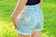 An awesome tutorial for a distressed heart design in your diy cutoffs. Great for summer!